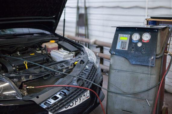 Заправка кондиционера на Opel Astra